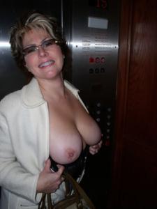Крупные сиськи взрослой женщины - фото #24
