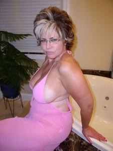 Крупные сиськи взрослой женщины - фото #25