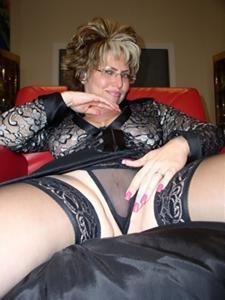 Крупные сиськи взрослой женщины - фото #26