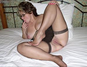 Крупные сиськи взрослой женщины - фото #27