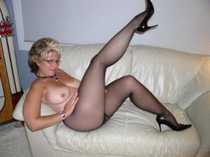 Крупные сиськи взрослой женщины - фото #31