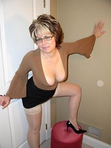 Крупные сиськи взрослой женщины - фото #37