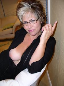 Крупные сиськи взрослой женщины - фото #4