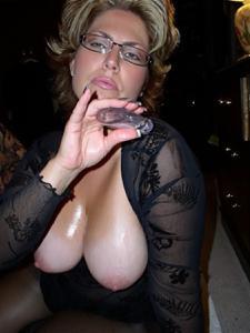 Крупные сиськи взрослой женщины - фото #40