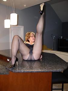 Крупные сиськи взрослой женщины - фото #44