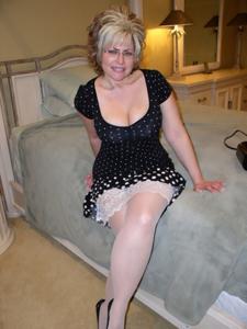 Крупные сиськи взрослой женщины - фото #46