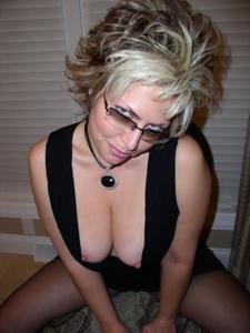 Крупные сиськи взрослой женщины - фото #47