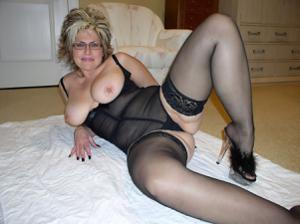 Крупные сиськи взрослой женщины - фото #48