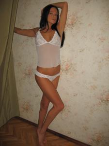 Стройная Кристина в нижнем белье - фото #12