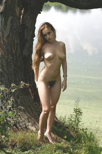 Худые девушки на природе - фото #6