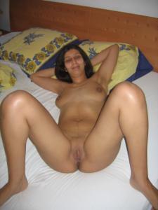 Арабская киска с обвисшей грудью - фото #20