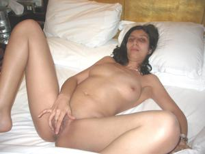 Арабская киска с обвисшей грудью - фото #33