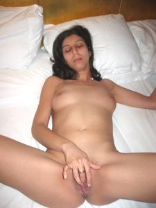 Арабская киска с обвисшей грудью - фото #37