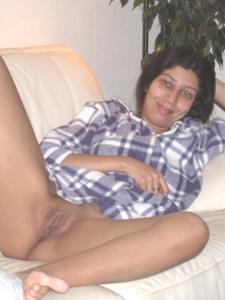 Арабская киска с обвисшей грудью - фото #45