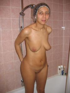 Арабская киска с обвисшей грудью - фото #47