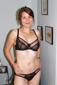 Голая женщина со стоячими сосками - фото #17