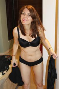 Голая женщина со стоячими сосками - фото #22