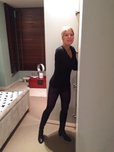 Голая женщина со стоячими сосками - фото #26