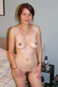 Голая женщина со стоячими сосками - фото #4