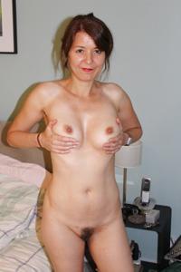 Голая женщина со стоячими сосками - фото #7