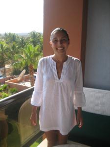 Молодая латинка часто возбуждена - фото #1