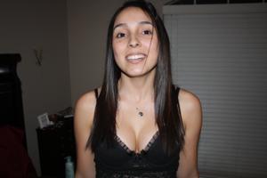 Молодая латинка часто возбуждена - фото #30