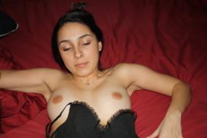 Молодая латинка часто возбуждена - фото #36