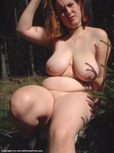 Пышка в лесу