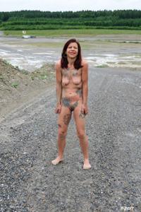 Петра купается в грязи - фото #28