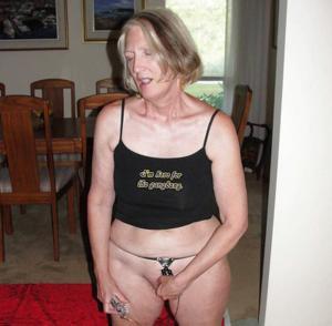 Пожилая развратница из Канады - фото #33