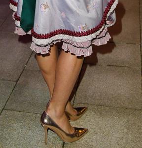Ядренные немки в национальных костюмах - фото #30