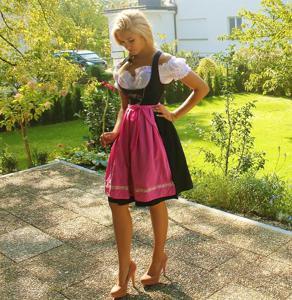 Ядренные немки в национальных костюмах - фото #47