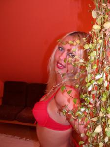 Блондинка любит сперму - фото #1