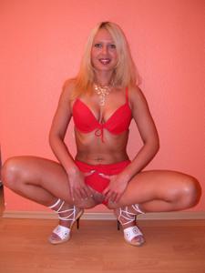 Блондинка любит сперму - фото #11