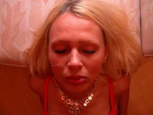 Блондинка любит сперму - фото #16