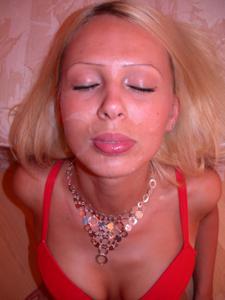 Блондинка любит сперму - фото #2