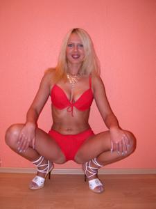 Блондинка любит сперму - фото #24