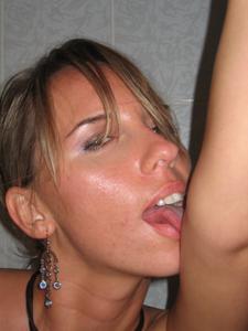 Эта женщина знает как возбуждать - фото #24