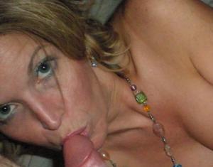 Дама с силиконом любит сперму - фото #36