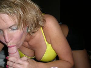 Дама с силиконом любит сперму - фото #45