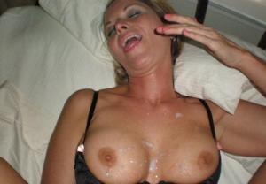 Дама с силиконом любит сперму - фото #48