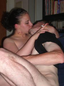 Немка любит пить пиво и целоваться - фото #14