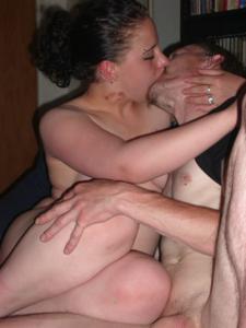 Немка любит пить пиво и целоваться - фото #16