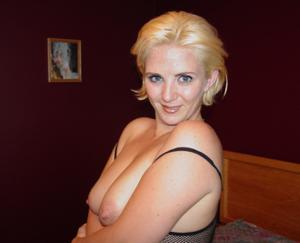 Новый сексуальный костюмчик купила себе женщина - фото #34