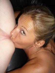 Сразу видно, она любит мужа - фото #32