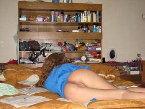 Худая девушка с отличной задницей - фото #17
