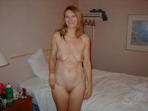 Друг кончил в мою жену - фото #14