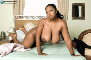 Сексуальные негритянские сучки - фото #15