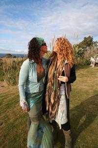 Грудастая австралийская милфа - фото #35