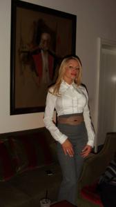 Сексуальность милфы блондинки - фото #2